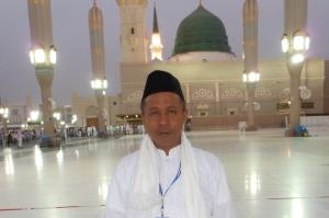 Shollallah 'Ala Syayyidinna Muhammad wa 'Ala Aliy Syayyidinna Muhammad.