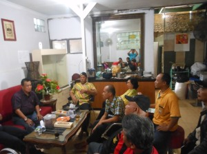 Koordinasi di rumah Ketua H. Wisnu Ajinoto Pinangranti