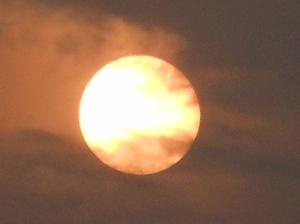 Dalam masa-masa akhir vonis terpidana mati, tetap berakhir dalam gelap meskipun Padang Bulan.